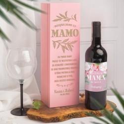 Skrzynia drewniana w różowym kolorze idealnie sprawdzi się na podziękowanie dla mamy. Skrzynia posiada życzenia na wieczku.