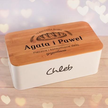 Chlebak z personalizowanym wieczkiem. Idealny i praktyczny prezent na rocznicę ślubu.