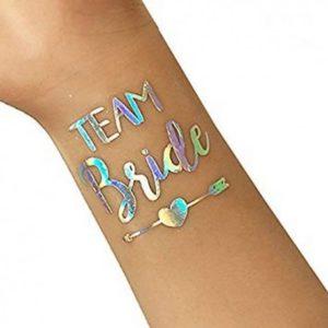 Śliczne holograficzne tatuaże na wieczór panieński będą idealnym dopełnieniem Waszych kreacji!
